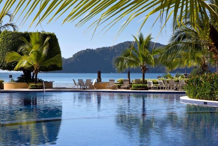 Luxury vacation condo Los Suenos C