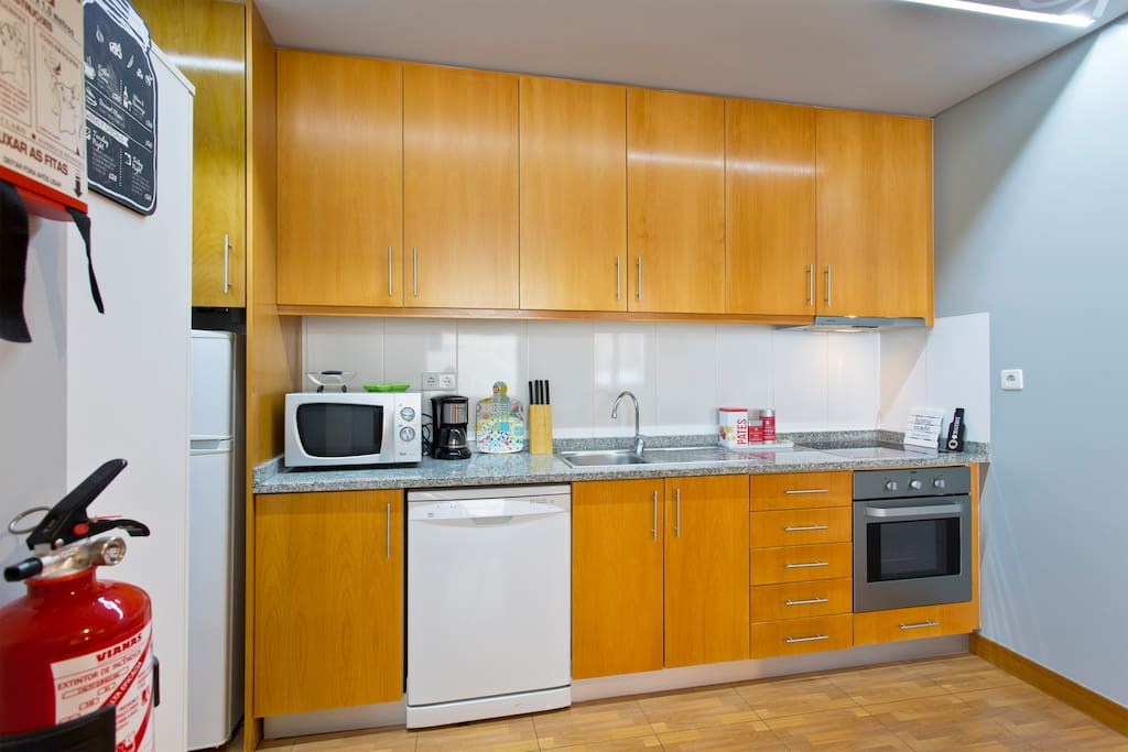 Cook the best the delicacies of the city in this well equipped kitchen.