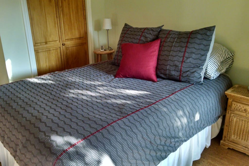 Comfy queen-sized bed - all linens and furniture are new throughout
