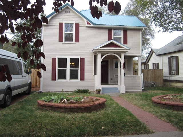 Updated Downtown Century Home - Grand Junction - House