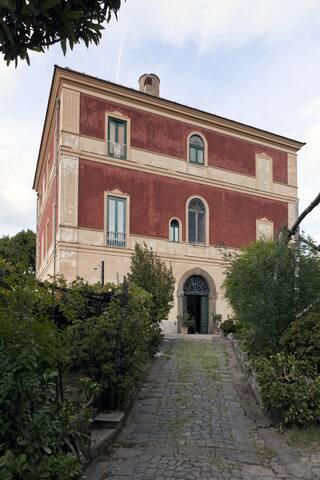 Villa in the Sorrento hills