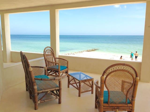 Deco Beach Club - Villa #3 - Beach with Style!