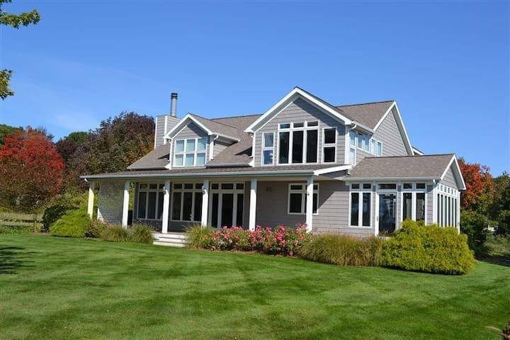 Lake Michigan Luxury Home w/ Beach