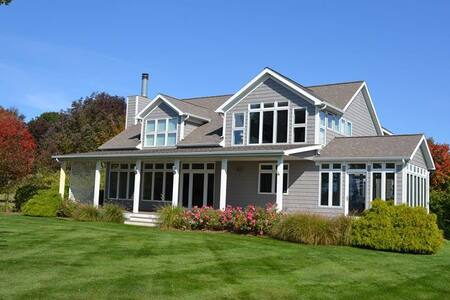 Lake Michigan Luxury Home w/ Beach - House