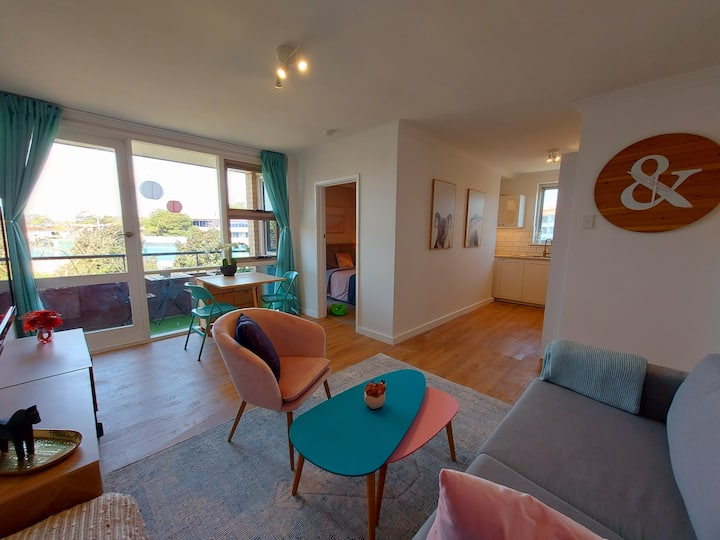 Stunning Gem  in Rivervale with WIFI + Parking
