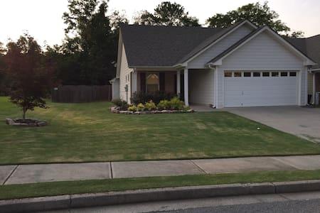Mi Casa Su Casa (Quiet & Clean) - Cartersville