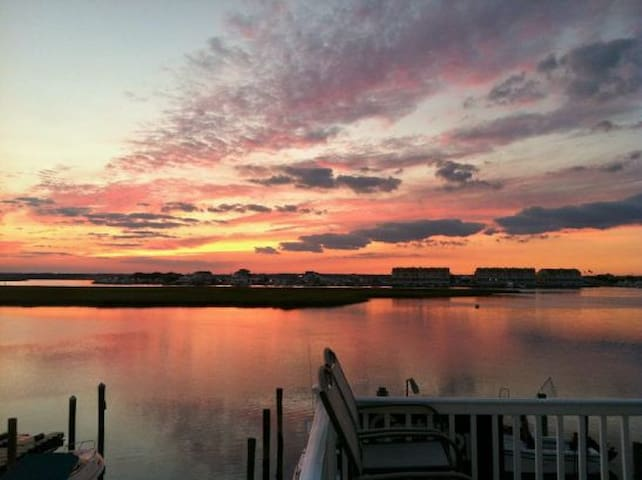 Romantic Bayfront Cottage - Wildwood Crest - Condo