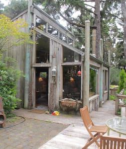 Beautiful, Cozy Cabin - Florence