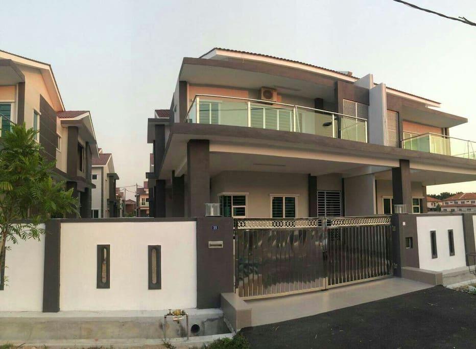Semi D new house