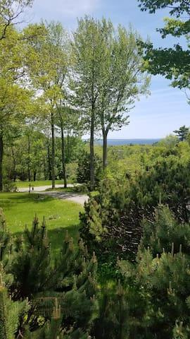 Rockwood fireplace/jacuzzi cottage w/ bay views