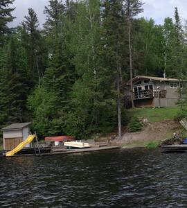 Lakefront Kenora area family cottage- for all ages - Kenora