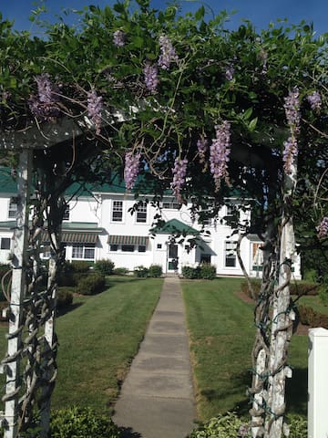 A delightful Maine inn! - Harrison - Bed & Breakfast