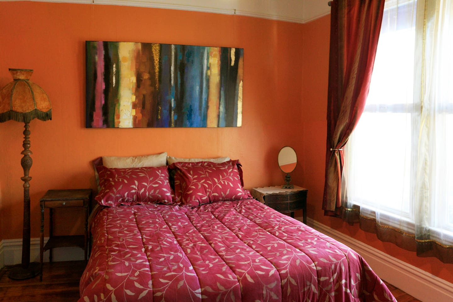 Bedroom with full size bed to accommodate 1-2 people.