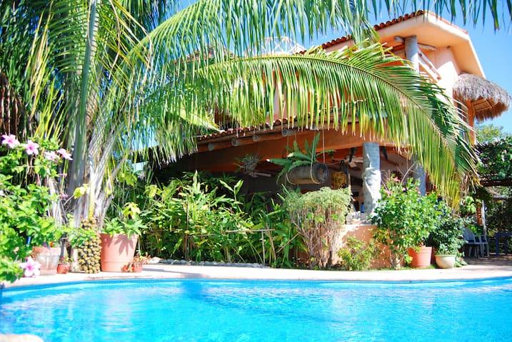 Casa ATZCALLI | Conchas Room