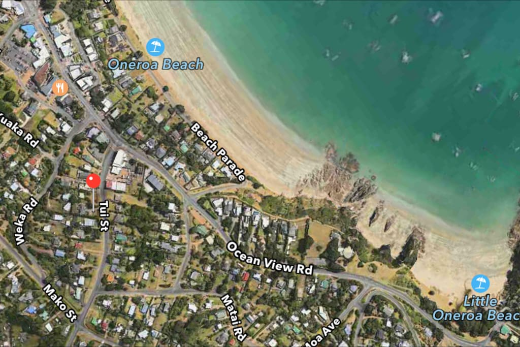 Red pin shows location of the house, 2 minute walk to shops and beach