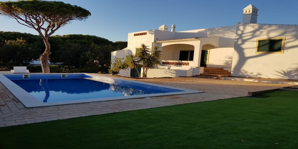 EXCLUSIVE VILLA NEAR GOLF COURSES AND BEACHES