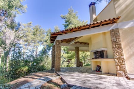 3 BD, Villa, Shared pool in Sani Kassandra - Sani