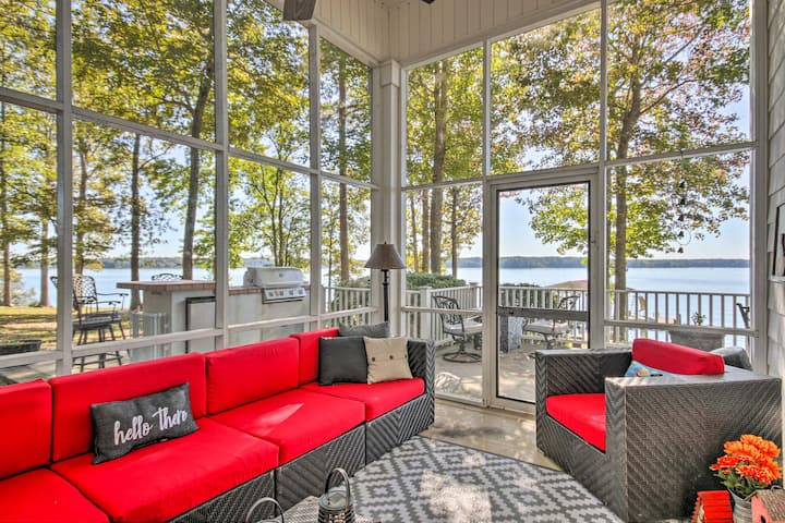 NEW! Lakefront Paradise w/ Fire Pit, Dog Friendly!