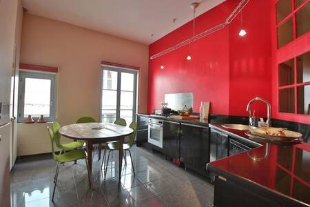 Bright apartment in city center - Apartment