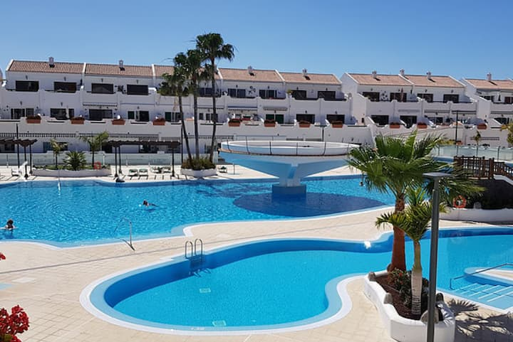 Cosy apartment / 2 large swimming pool / Wi-fi