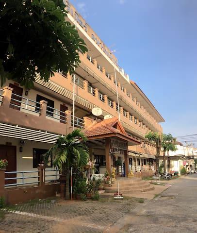 Premiere Apartment 111 - Tambon Phra Lap - Lejlighed