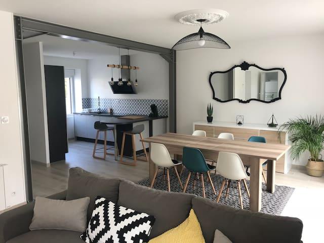 Maison moderne à 550m de la plage