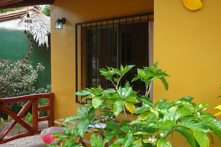 Bungalow Mango 2 persons WIFI & dinner & Pool free