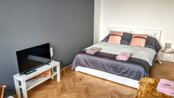 Útulný byt 1+1 blízko centra s krásným výhledem