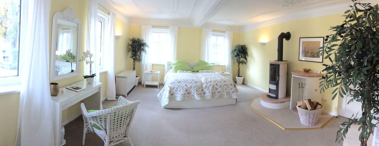 Ferienwohnung, Bed & Kitchen Goldene Krone Thurnau - Thurnau - Appartement