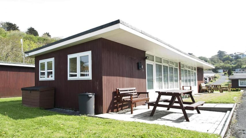 CA015 Summercliffe Chalet, Caswell