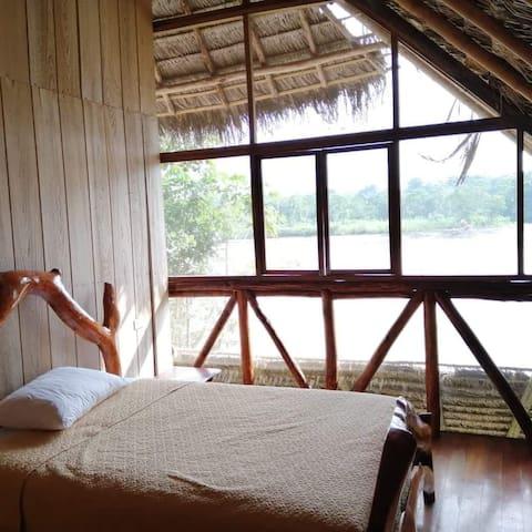 Eco-lodge in the heart of ecuadorian Amazonas