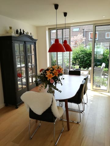Luxury family home in a lovely neighborhood - Diemen - House