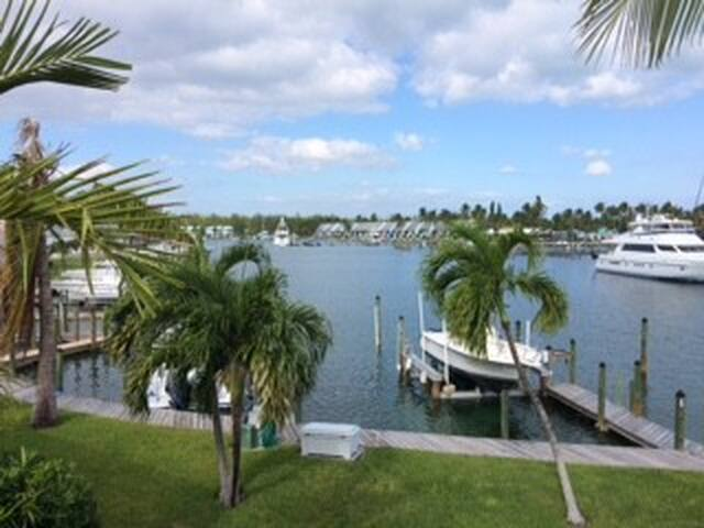 Treasure Cay, Royal Palm, 3Bd, 3Ba Sleeps 7/Dock