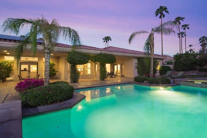 !!!Beautiful Estate near El Paseo!!!