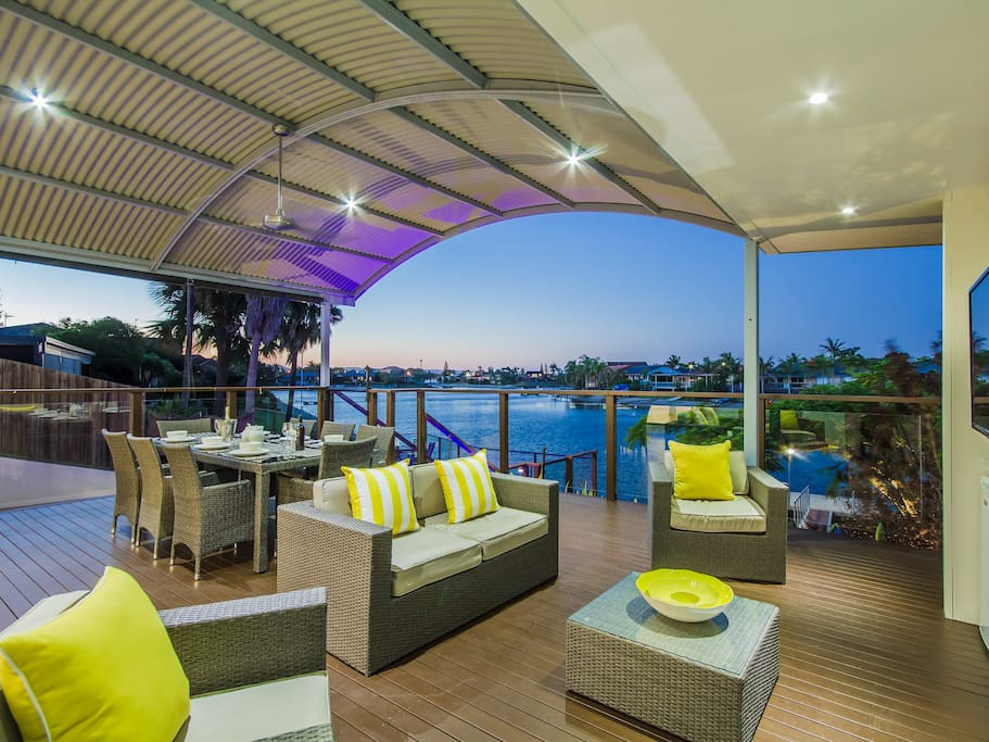 Superb outdoor living and entertaining areas.