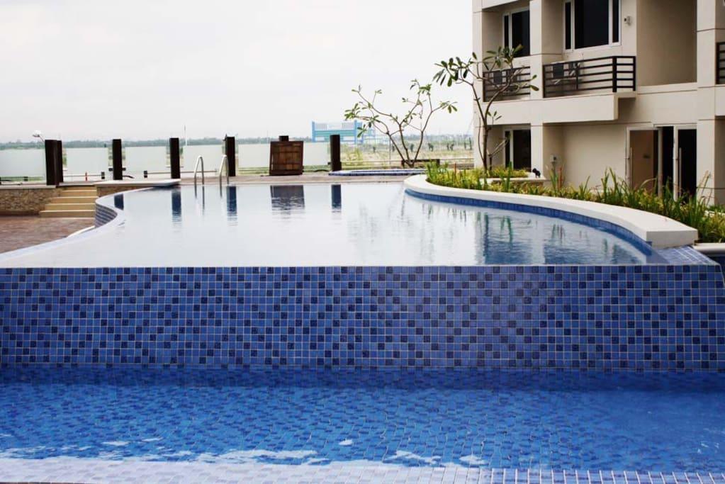 Studio condo unit w manila bay view apartments for rent for Affordable pools near metro manila