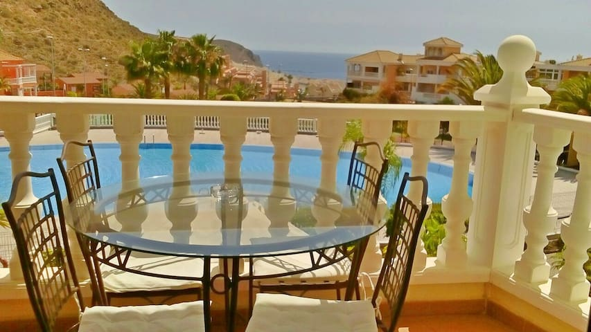 Ocean view charming three bedroom apt. with pool - Arona - Daire
