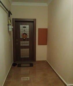 Üniversiteye yakın ve rahat ev, fiyatı uygun :) - Niğde Merkez