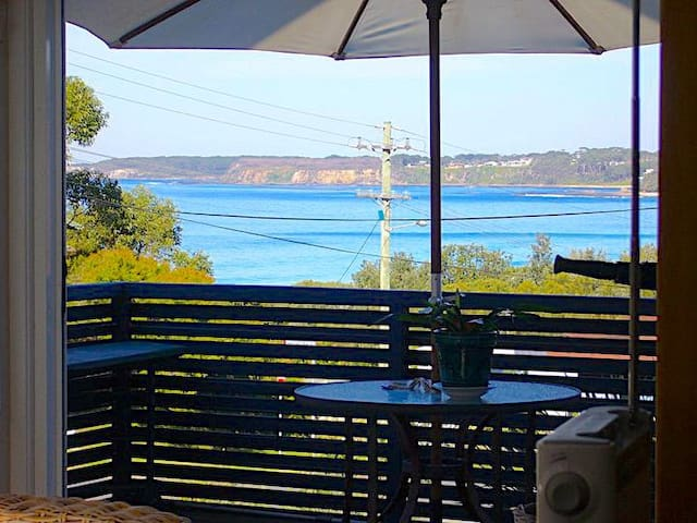 Mollymook Beach - Lou's Loft -Ocean Views