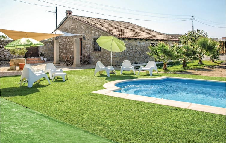 Holiday cottage with 3 bedrooms on 75m² in Villanueva del Duque