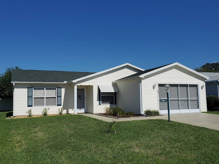 Entire 3 Bedroom House (Sleeps 8) in The Villages