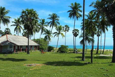 108 Palms Beach Resort (Beach Front Bungalow 4pax) - Trincomalee