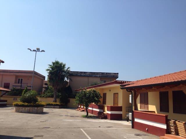 FITTASI - APPARTAMENTO AMMOBILIATO - Giugliano in Campania - Apartmen
