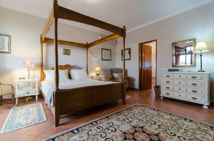 Private Room, en suite bathroom, roof terrace/view