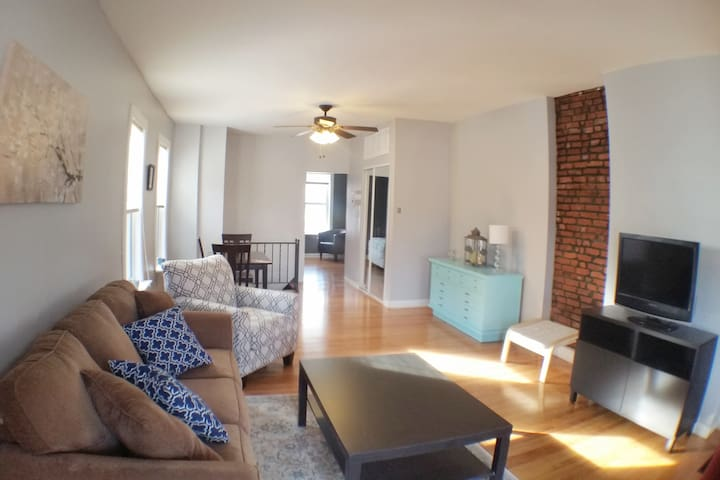 Cute & Cozy 2BR home in Tower Grove South