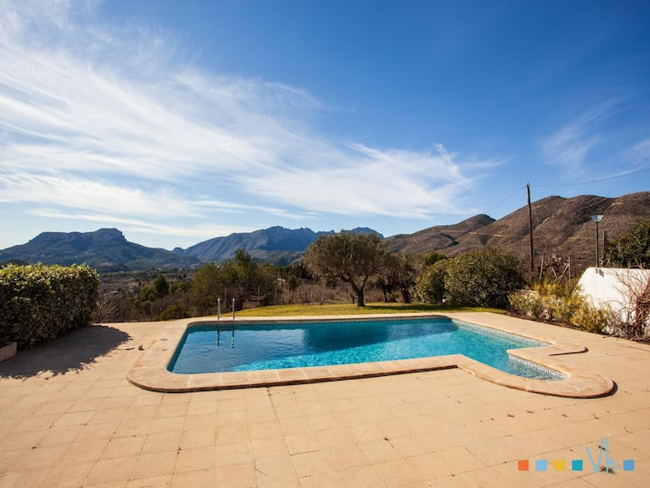 CASA MAMET - Beautiful villa with capacity for 10 people with private pool and sea views in Benissa.