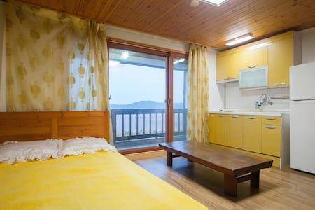 3층객실/원룸형/11평 -바다가 눈앞에 펼쳐지는 펜션 - Taean-gun - Villa