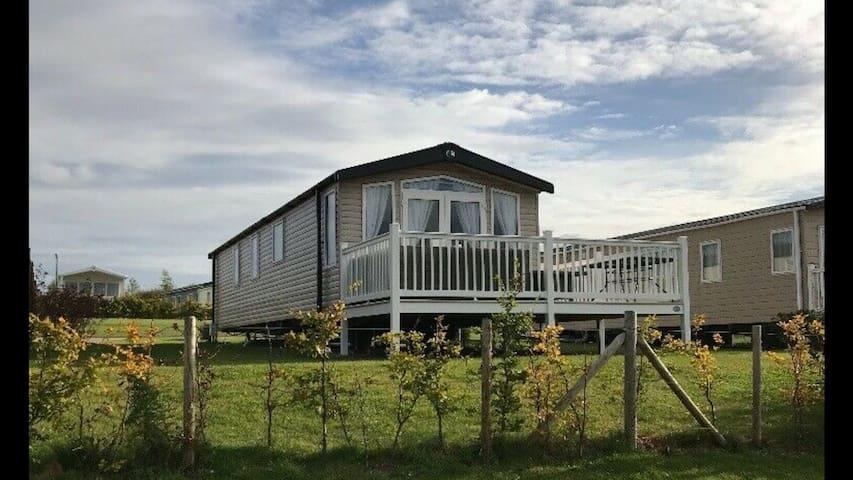 5* Luxury Lodge Style Home @ Haven Seton Sands