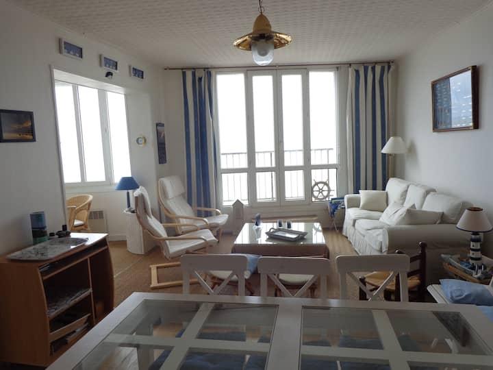 Bel appartement front de mer