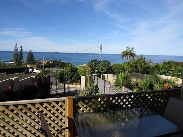 Island Views @ Sapphire pet friendly apartment